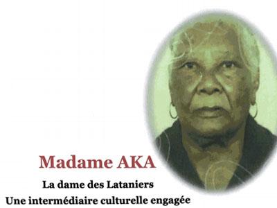 «Présentation de Madame AKA»,  Un ouvrage publié par Prosper Eve