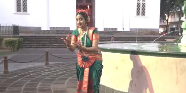 Evangile et Danse Indienne